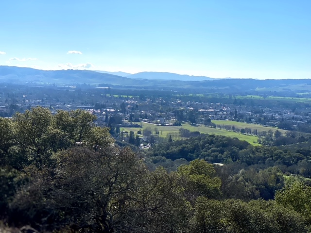Exploring the Sonoma Overlook Trail