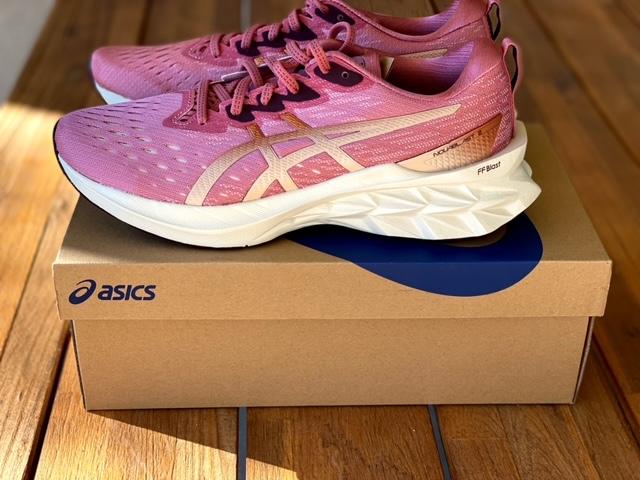Asics Novablast 2 Shoe Review